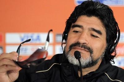 Maradona  débarque en Algérie !  «Gare aux équipes qui manqueront  de respect à l'Algérie !»