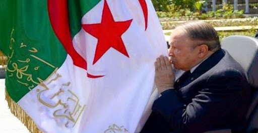 Le président Bouteflika se recueille à la mémoire des martyrs à El-Alia
