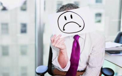 Absence de politique de cadres et de plans de carrières stables, Les cadres ne cadrent pas bien avec le «Système» !