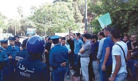 Bouira En sit-in devant la wilaya Les propriétaires des fusils de chasse reviennent à la charge