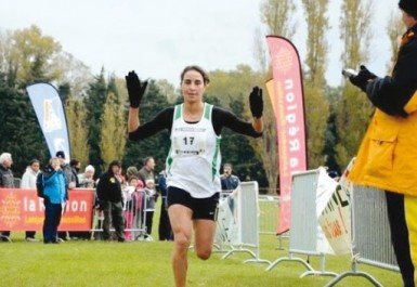 Marathon : Kenza Dahmani gagne à Doz et réalise les minima pour le Mondial 2017