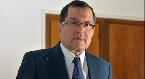 Bouterfa estime nécessaire de commencer à convertir les richesses du pays en hydrocarbure