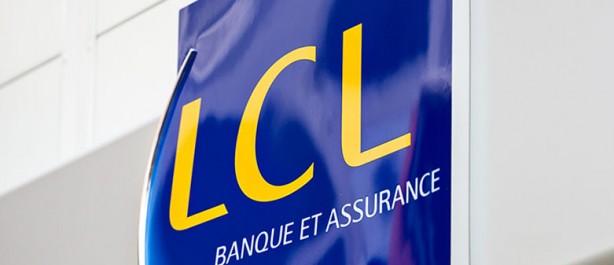 Le mépris de la Banque LCL à l'égard des étudiants algériens en France.