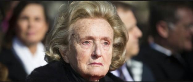 Bernadette Chirac hospitalisée à Paris «pour souffler et récupérer un peu»