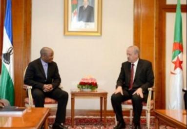 Sellal reçoit l'envoyé spécial du Premier ministre du Lesotho