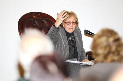 Absence de réaction du gouvernement aux propos du président de l'association française des familles victimes du terrorisme: Zohra Drif-Bitat accuse