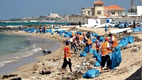 Plus de 4000 tonnes de déchets collectés sur le littoral d'Alger durant cet été