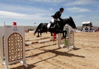 Concours international de saut d'obstacles de Skikda: le cavalier Azzerouk remporte la première place