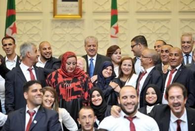 Sport : la wilaya d'Alger honore les athlètes algériens médaillés aux jeux Olympiques et Paralympiques