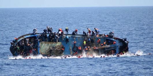 Égypte : plus de 100 morts dans le naufrage d'un bateau de migrants.