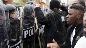 États-Unis : violences à Charlotte après la mort d'un homme noir abattu par la police