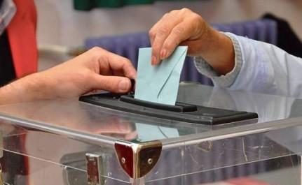 Vers une dépolitisation de l'administration électorale ?