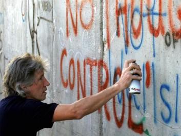 Les Pink Floyd soutiennent les femmes de la «flottille de la Liberté» pour Gaza.
