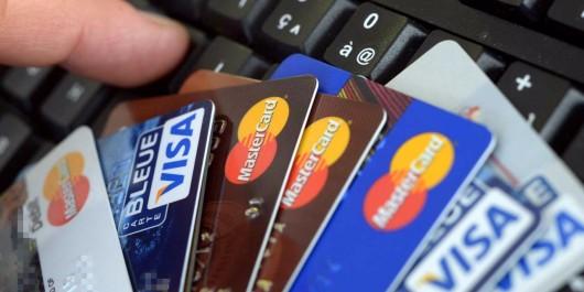 Moins de 9 millions d'utilisateurs de cartes bancaires.