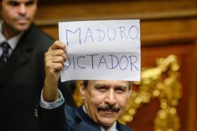 Venezuela: même sans référendum, l'opposition veut déloger Maduro