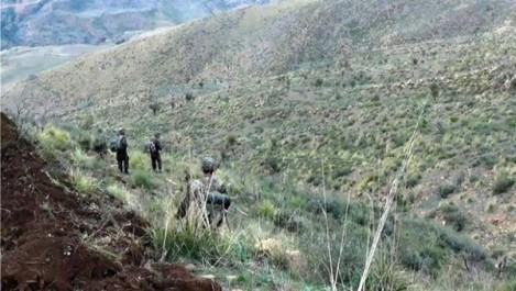 Trois éléments de soutien au terrorisme arrêtés et une cache d'armes détruite à Boumerdès (MDN)