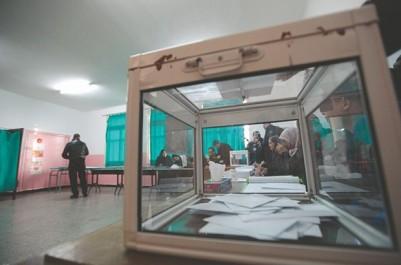 Oran: C'est l'heure des tractations