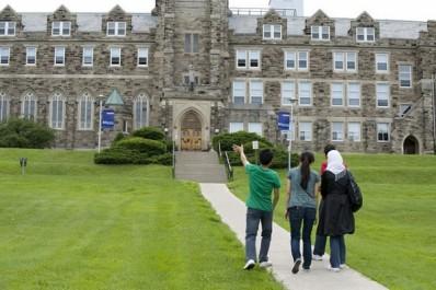 16 000 à 45 000 dollars pour une année d'études au Canada : 1 055 Algériens inscrits dans les campus canadiens