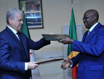 Algérie-Mali : signature à Bamako de 13 accords de coopération bilatérale.