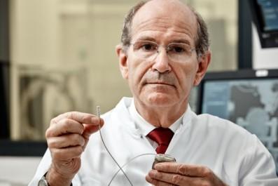 Bordj Bou Arréridj : Le célèbre neurochirurgien Alim Benabid invité de marque