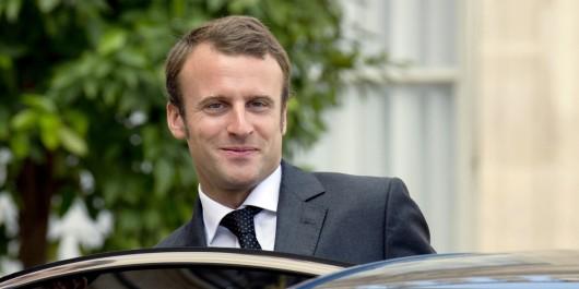 Emmanuel Macron en visite à Alger