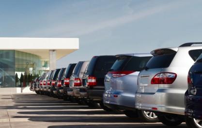 Hausse vertigineuse du prix des voitures à Oran: La direction du commerce ouvre une enquête