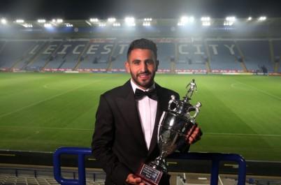 Mahrez élu meilleur milieu de terrain de l'année 2016.