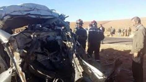 RELIZANE : Un mort dans une collision entre un bus et un camion à benne