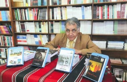 21e salon international du livre d'Alger / Ahmed Lagraa (écrivain): « J'ai refusé de condamner le printemps berbère »