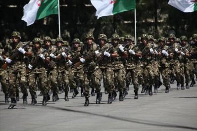 Le FLN Salue Les Efforts« COLOSSAUX » De L'armée Nationale Populaire
