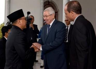 Les relations bilatérales au centre d'un entretien entre Bensalah et le président du Conseil consultatif populaire d'Indonésie
