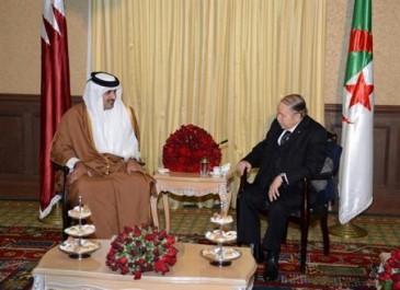Le Président Bouteflika reçoit l'émir du Qatar