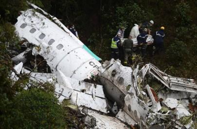 76 morts dans un crash d'avion en Colombie: Une équipe brésilienne de football décimée