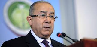 Lamamra reçoit le nouvel ambassadeur du Bangladesh en Algérie