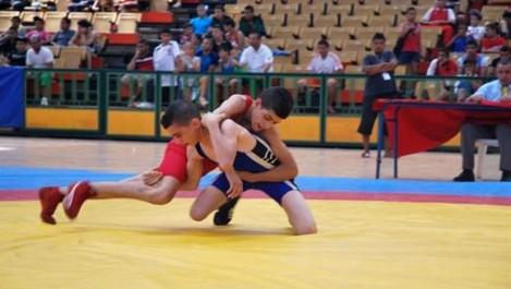 Championnats Méditerannéens De Lutte (Juniors) Sept médailles pour les Algériens