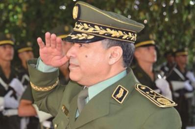 Le patron de la gendarmerie nationale en visite dans la 3e RM (Béchar): M. Menad Nouba insiste sur les droits fondamentaux des citoyens