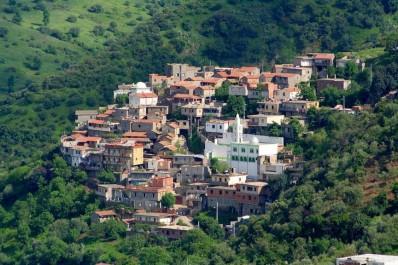 Vivre dans un village kabyle de nos jours: Quand la modernité change la donne