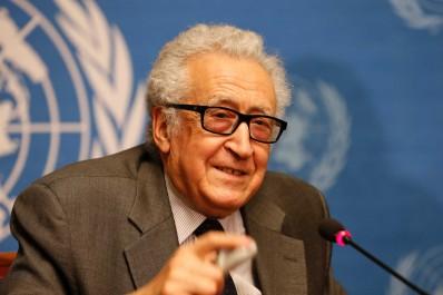 Le Prix de la CNCPPDH décerné à Lakhdar Brahimi.