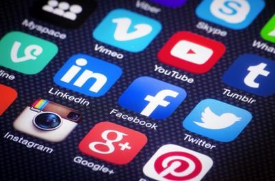 Vœux du nouvel an : La fièvre des réseaux sociaux.