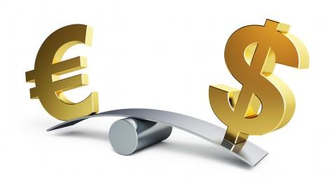 L'euro faiblit face au dollar avec la démission du président du conseil italien Matteo Renzi