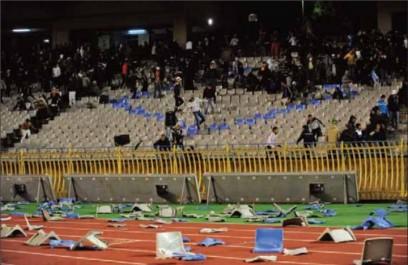 Violence dans les stades : 56 policiers blessés et 478 supporters arrêtés