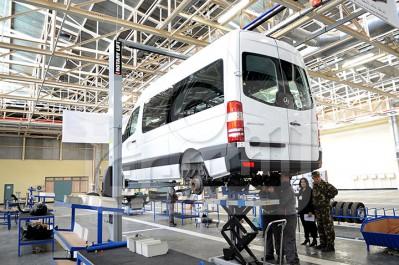 MDN: 281 véhicules Mercedes livrés par l'usine de Tiaret