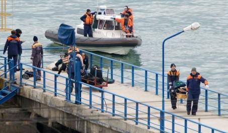 Crash de l'avion russe en mer Noire: des débris de l'appareil retrouvés par 27 mètres de fond