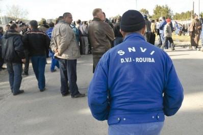 Cacophonie autour du texte d'amendement sur la retraite: Le syndicat de la SNVI menace de durcir son mouvement de protestation.