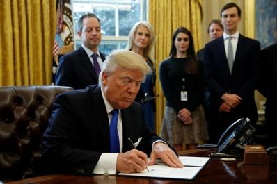 L'administration de Donald Trump pourrait exiger les mots de passe des réseaux sociaux avant d'accorder un visa