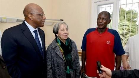 La présidente du CRA rend visite à un ressortissant malien opéré à l'hôpital de Bab El-Oued