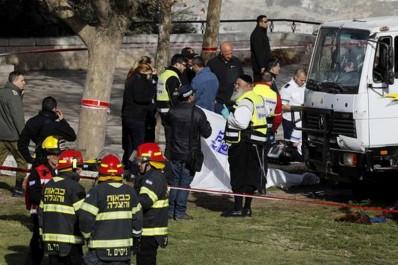 Quatre morts dans une attaque au camion à Jérusalem