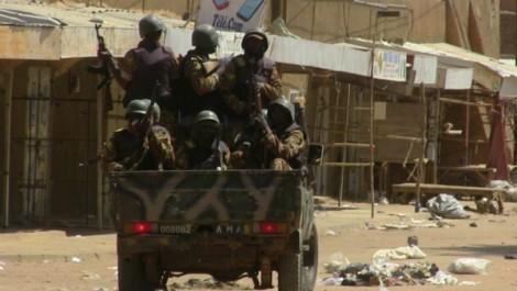Nord du Mali: 37 morts dans un attentat suicide contre un camp de groupes armés