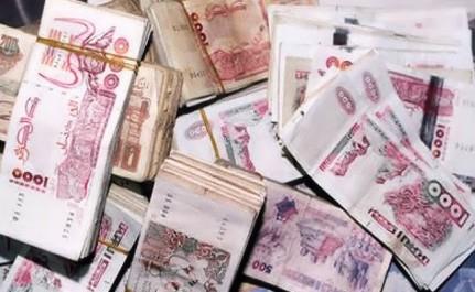 Algérie- Le montant de la masse monétaire dans le circuit informel est surévalué, selon Ferhat Aït Ali (VIDEO)