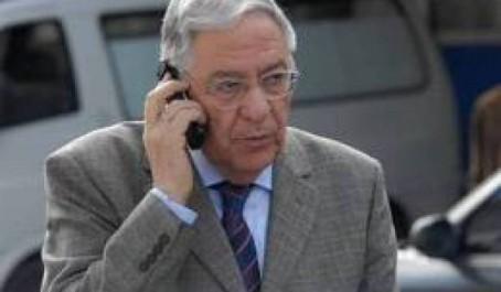 Il descend sur le terrain pour préparer les législatives et ignore ses adversaires FLN : Ould Abbès montre la voie